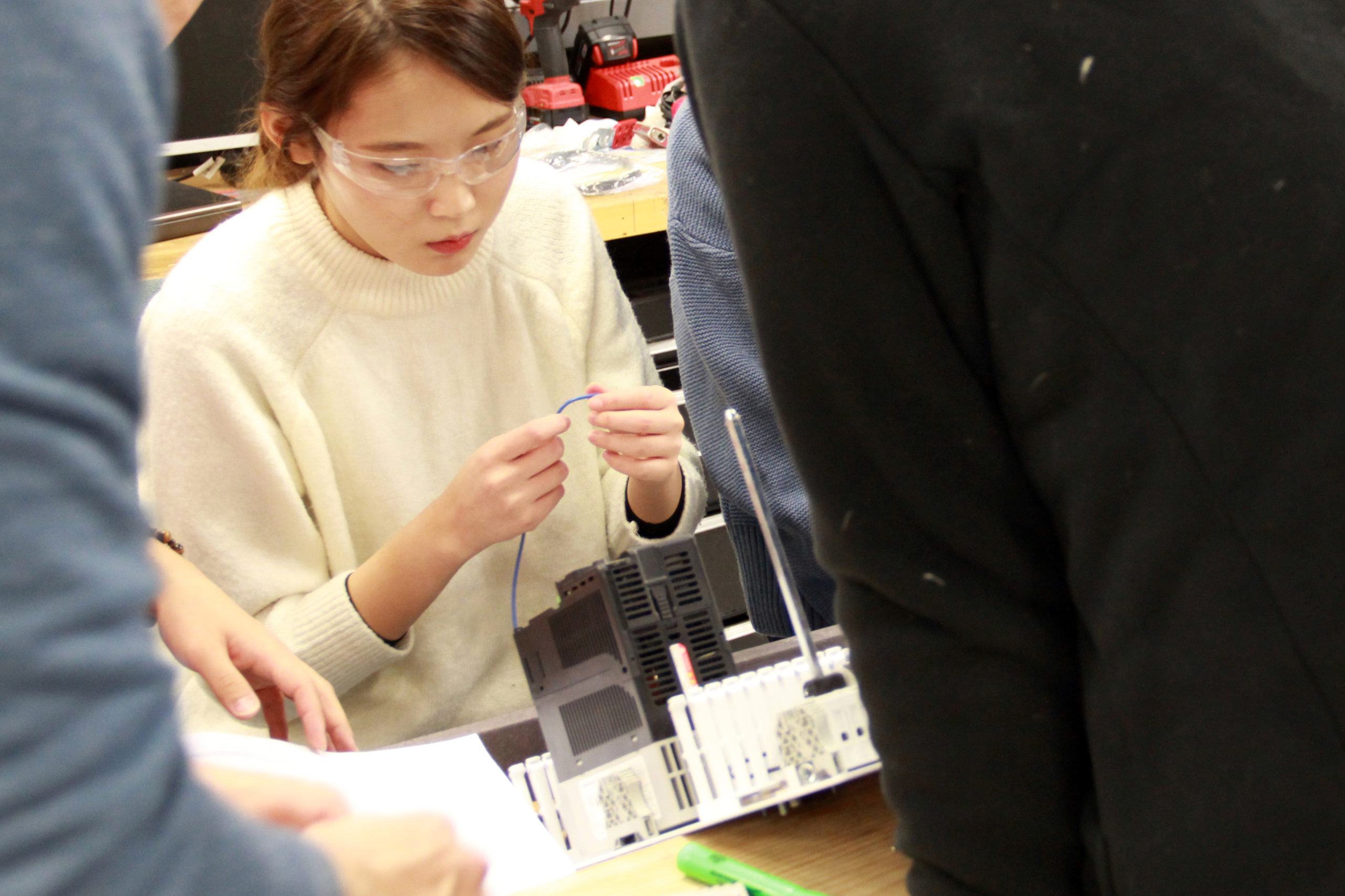 Faculty and students work to provide solutions to specific industry problems while providing students with experiential learning opportunities.