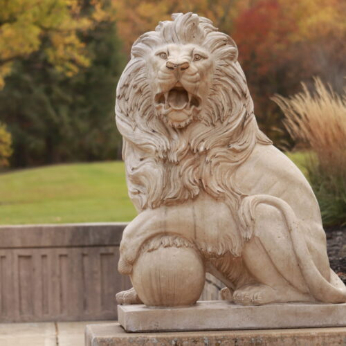 Lion_Statue_Fall