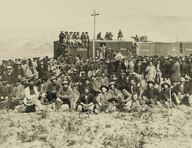Image of union pacific workers.