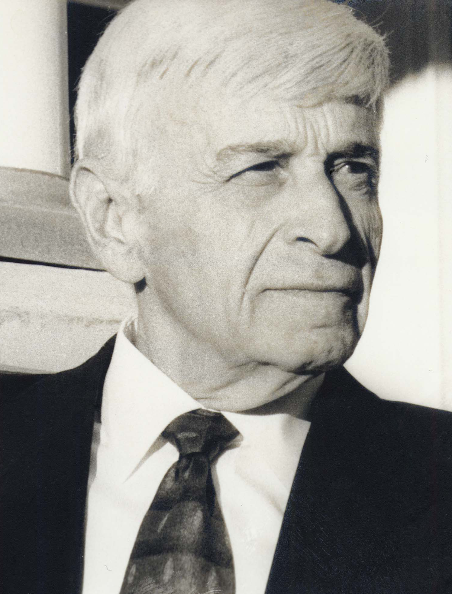 Max Eisen Black and White Headshot