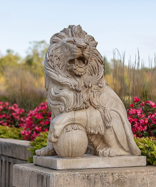 A statue on a lion on the PNW campus